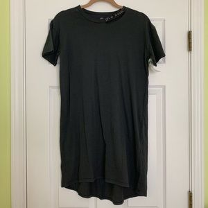 T&B XL 14/16 Gray Short Sleeve Back Cut Out Dress